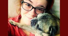 Pug resgatado ajuda a salvar jovem com depressão grave