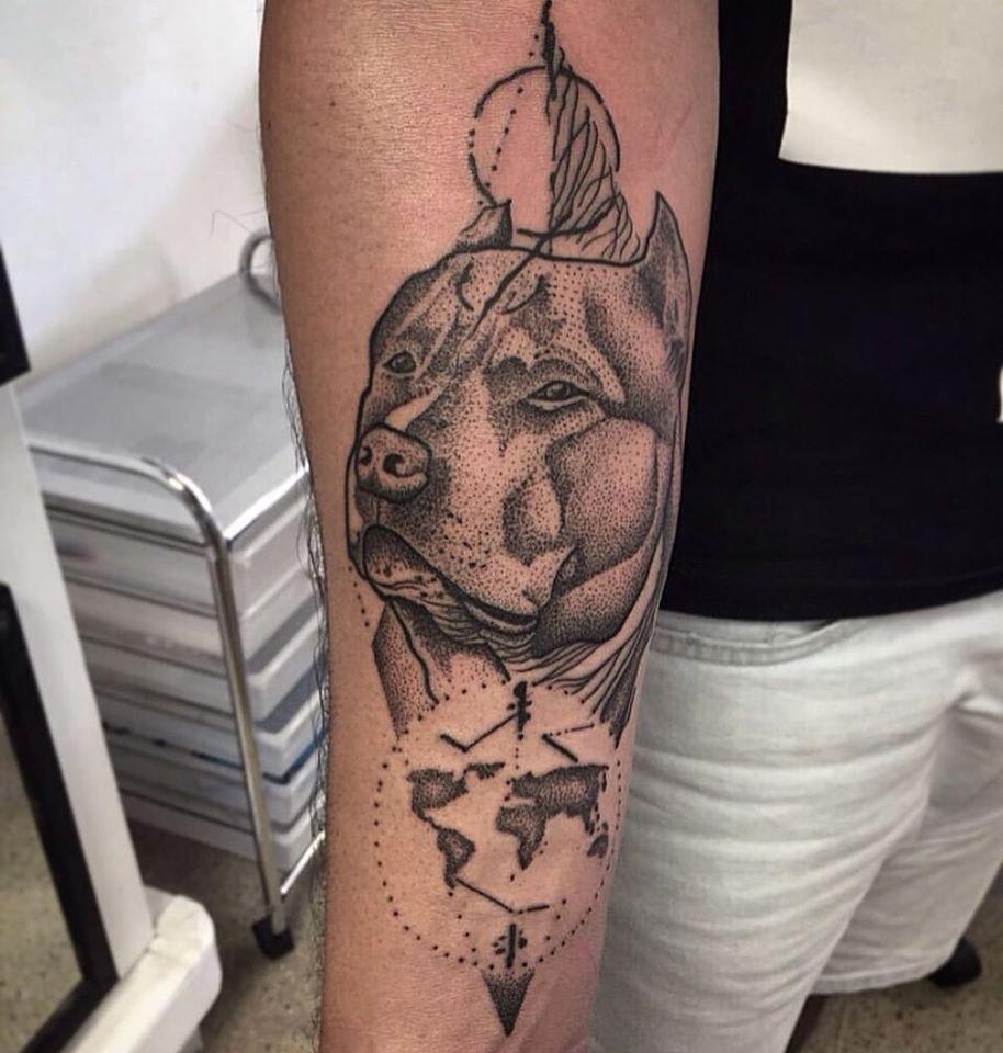 tatuagens para amantes de cães da raça Pit Bull